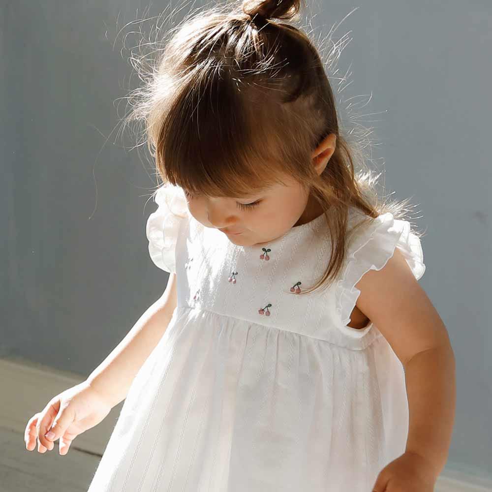 チェリー刺繍ドレス オフホワイト 80cm・90cm・100cm / 10mois(ディモワ)