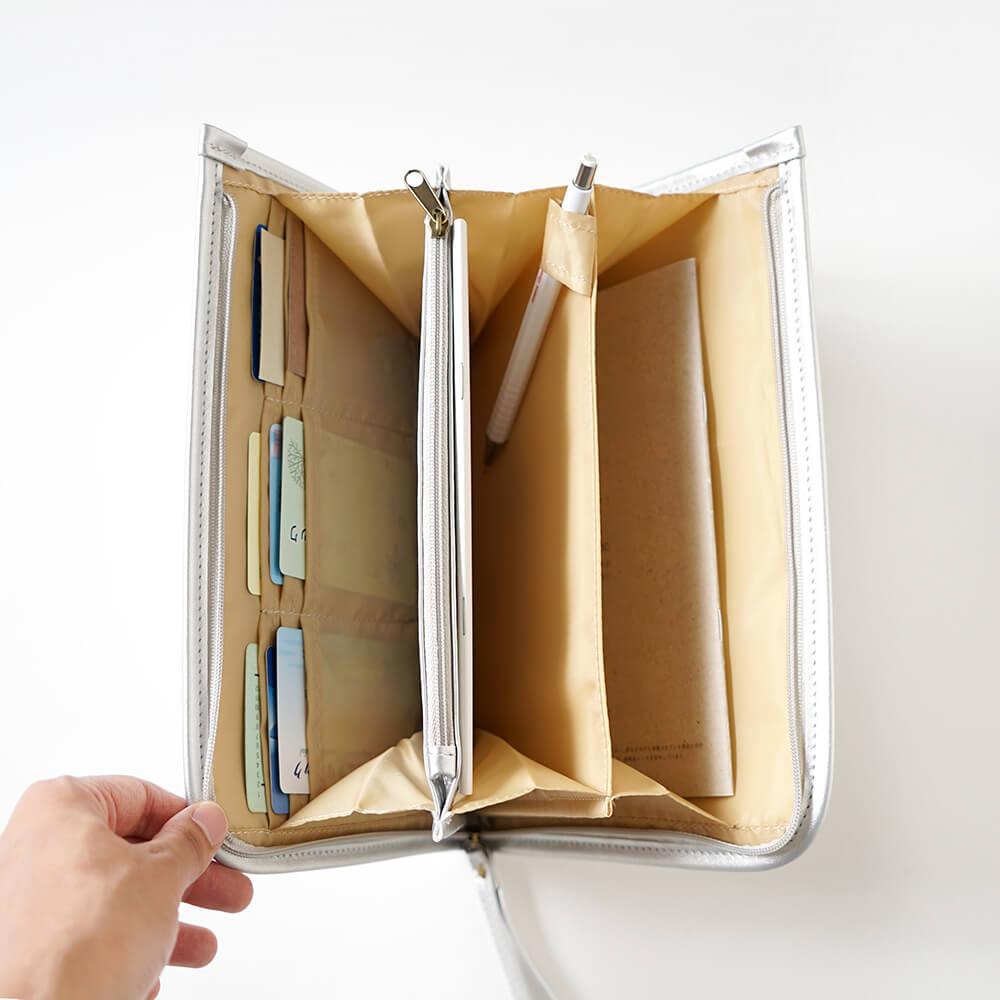 母子手帳ケース Silver / 10mois(ディモワ) / スターチャーム対象商品