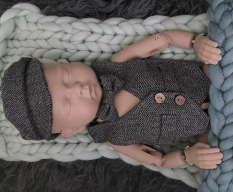 新生児●Newbornフォト●ハンチング&ベスト&タイ●全6色●0-2ヵ月(2点おまとめ購入で@3000)