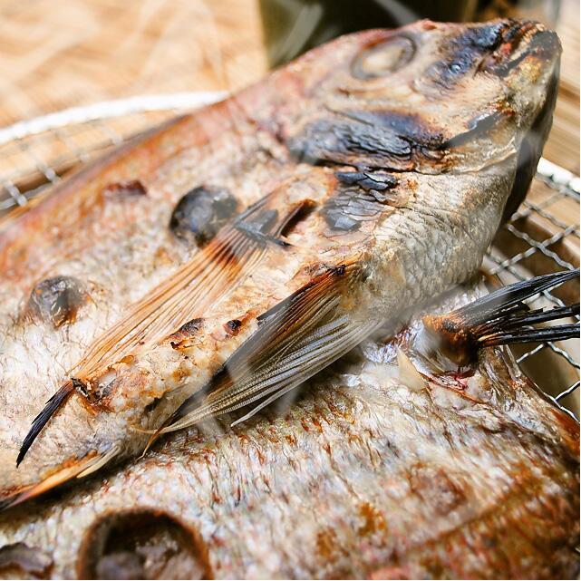 【国産】タイ干物 1枚--魚の王様「タイ」の干物です。塩焼きよりも美味いかも!!
