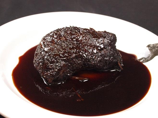 和牛ほほ肉の赤ワイン煮 (1人前120g)