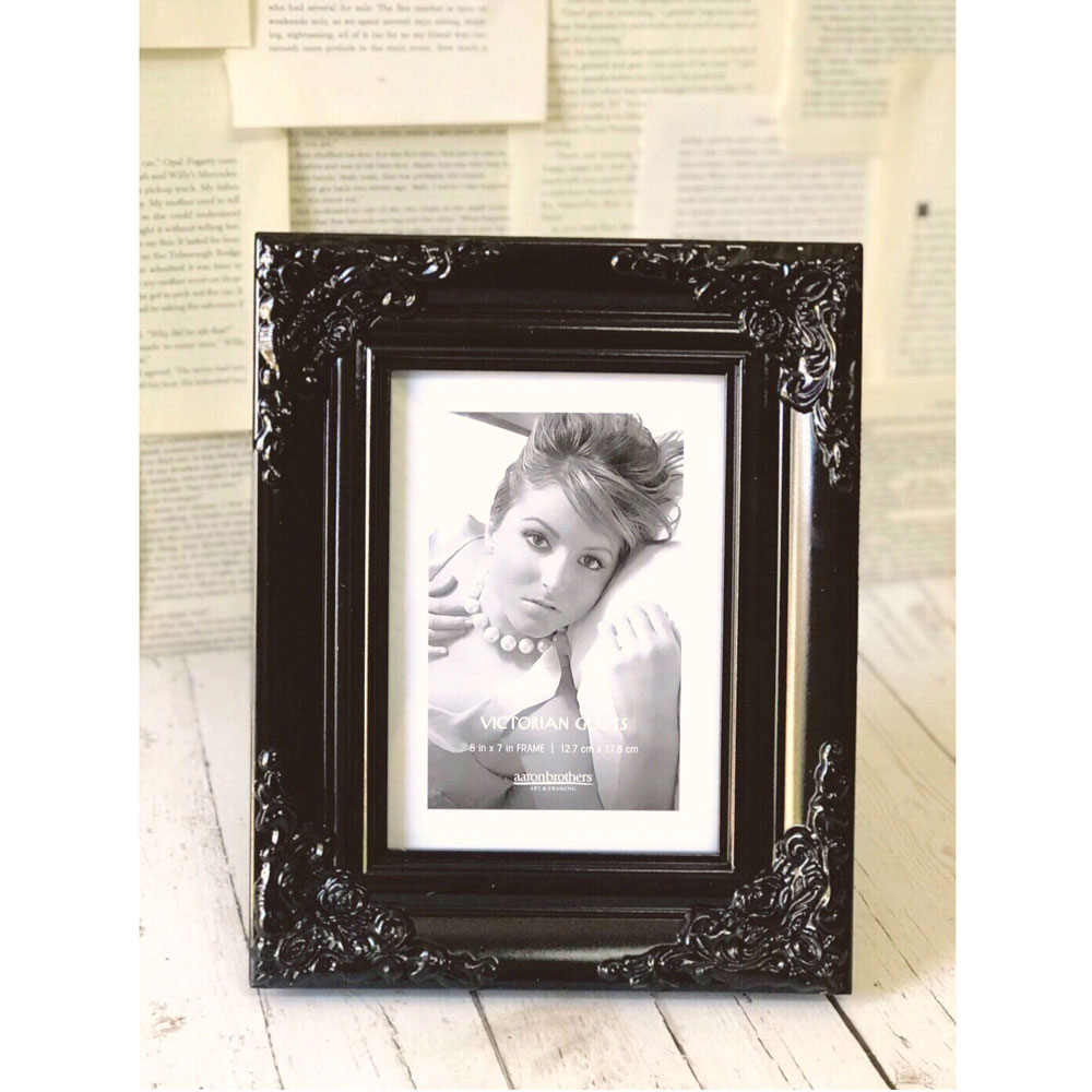 MP-58976 5x7 Victorian Gloss Black Photo Frame