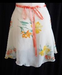 フラワープリント巻きスカート