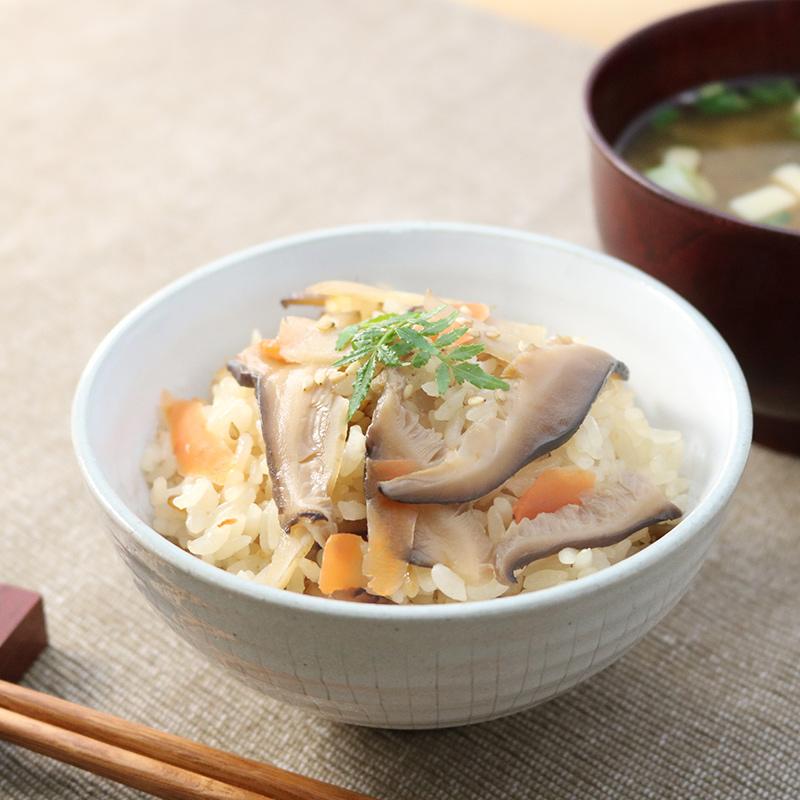 日本一の椎茸名人の郷、山田の原木しいたけで作った、おいしい炊き込みご飯の素