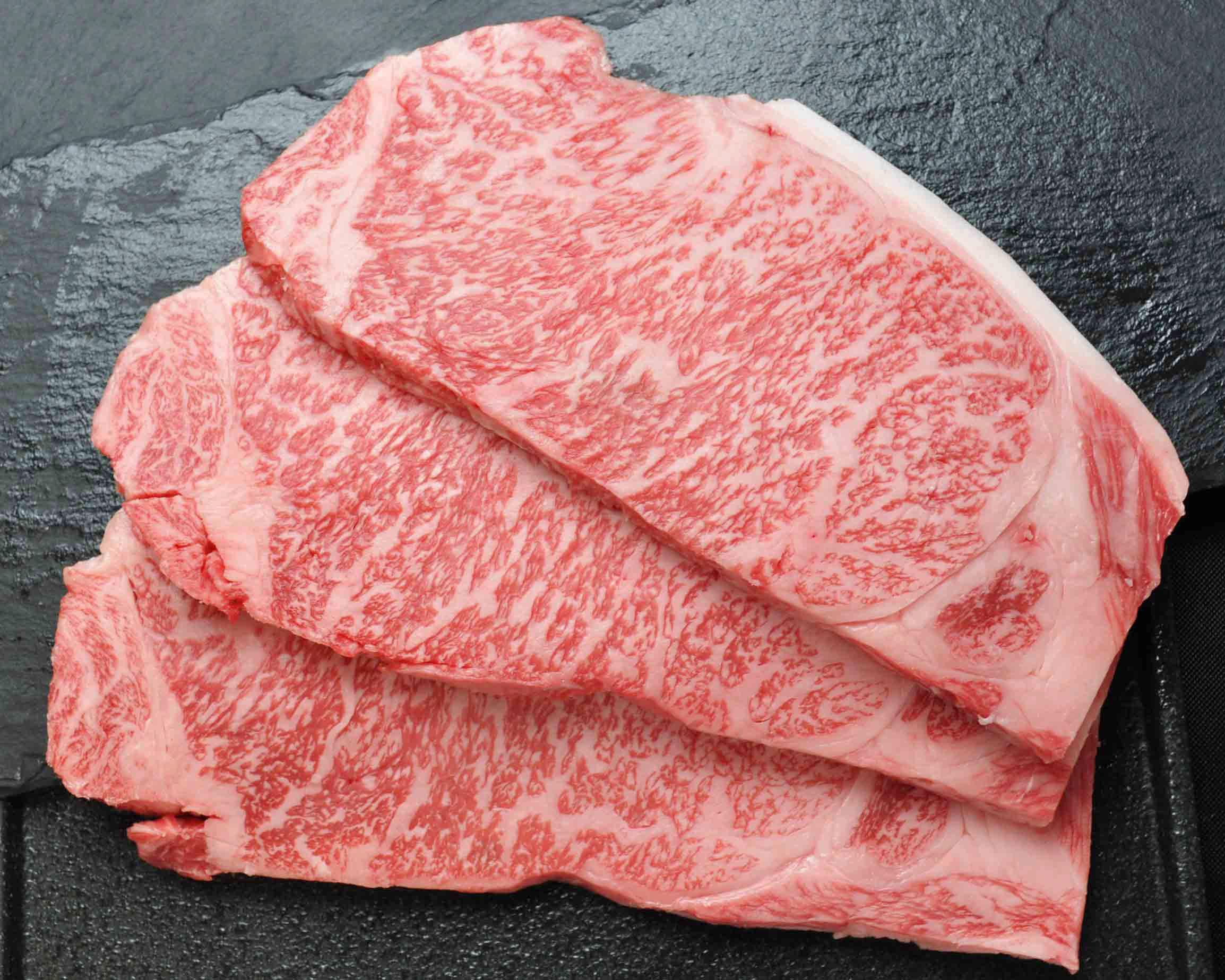 黒毛和牛ステーキサーロイン 200g×3枚【贈答用木箱】
