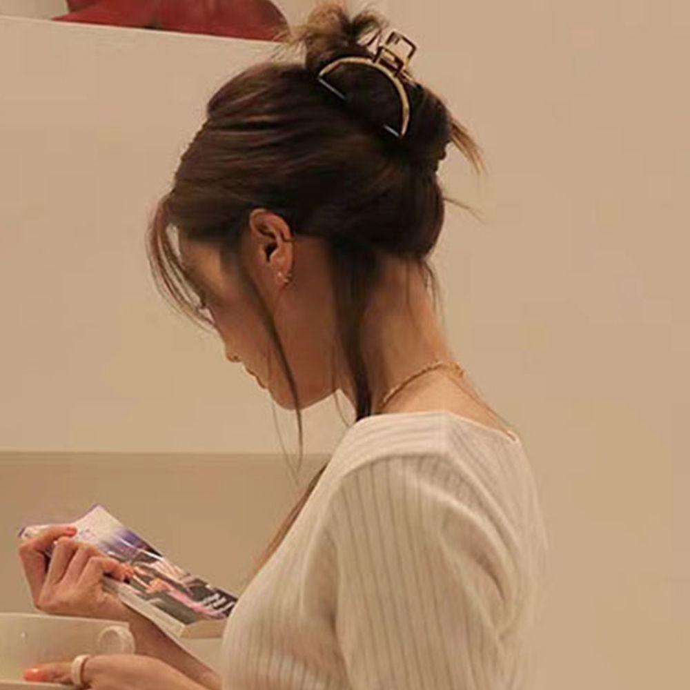 ヘアクリップ ゴールド シンプル バンスクリップ 髪留め クリップ 韓国 まとめ髪 ヘアアクセサリー 髪飾り 幾何学模様