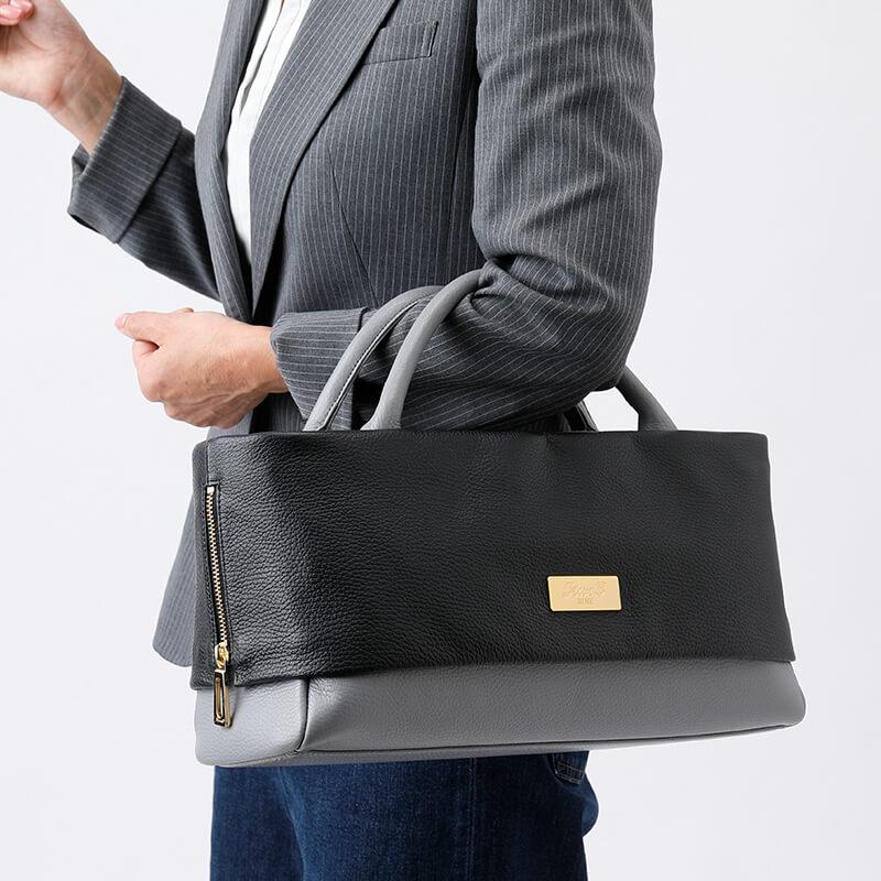 日本製 レディース 大人のレザーバッグ ハンドバッグ・ショルダーバッグにもなる2WAYバッグ  お弁当も入る通勤に最適  「バイカラー Ivory×Cobalt」