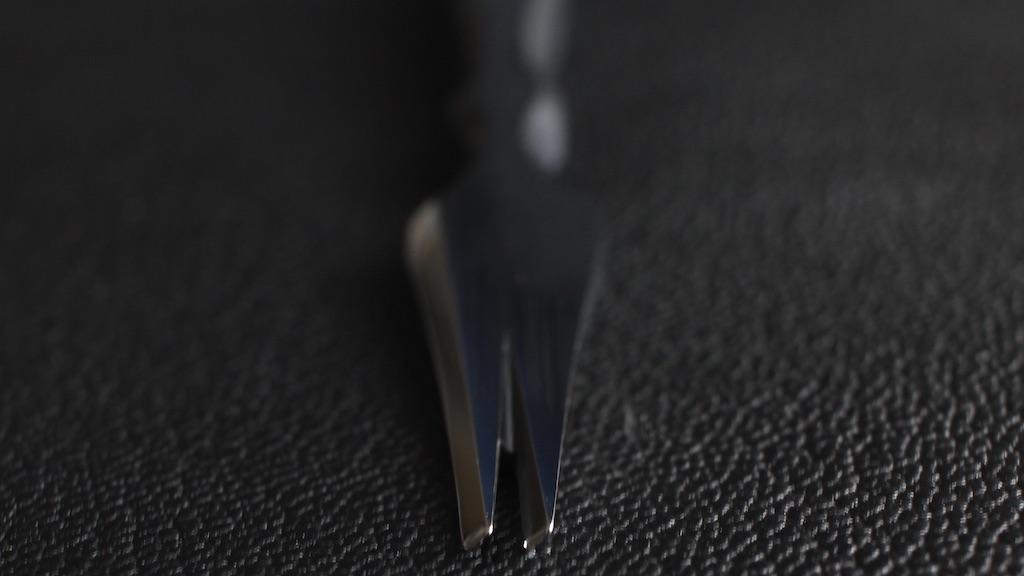 Reversed 2刃 - AmyRoke prickingiron(アミーローク ヨーロッパ逆目打ち)