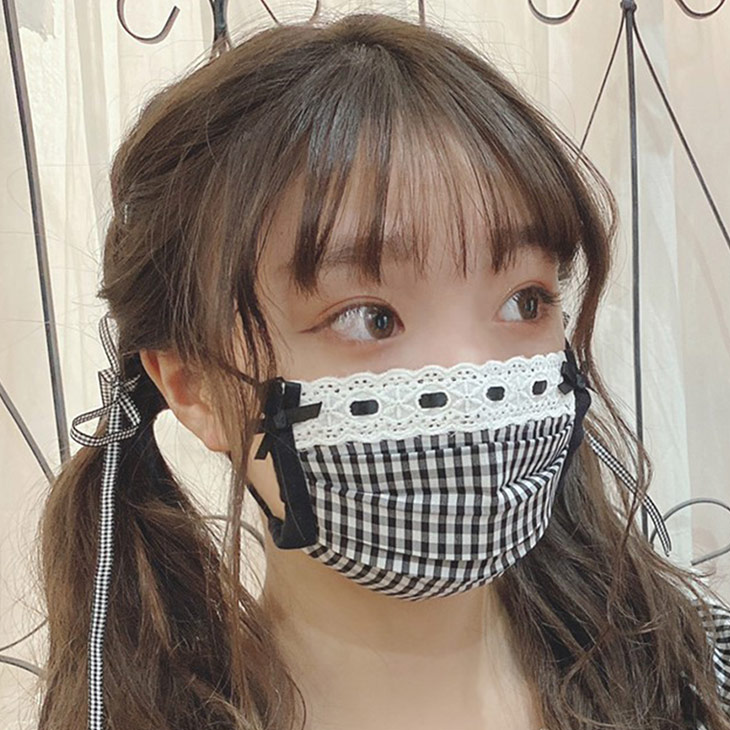 SX gingham mask