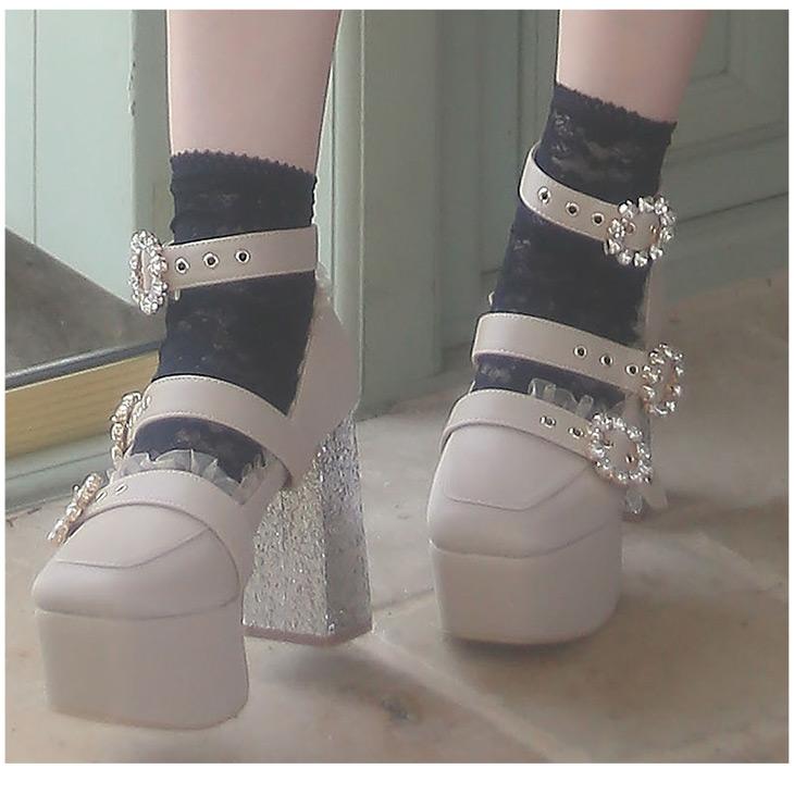 EV 3bijou heels