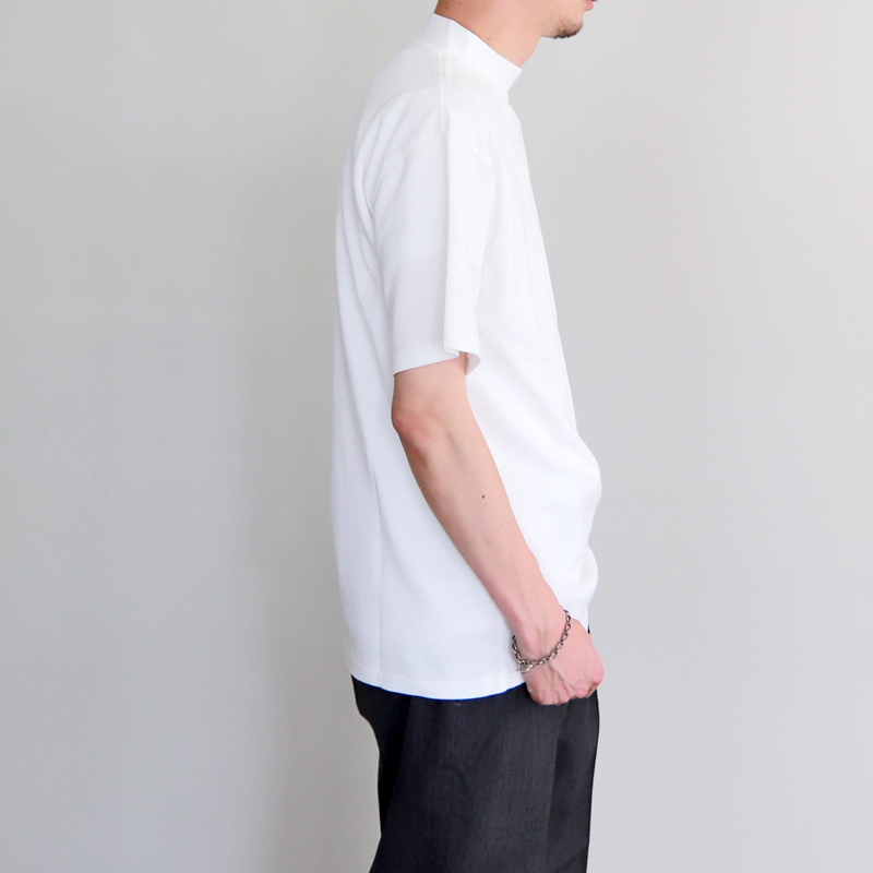 HATSKI Mock Neck Tee -White