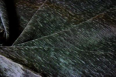 お買得 <strong>【モール/ベルベット生地】</strong><br>スイス製,輸入生地,<br> モスグリーン<br> 140cm巾2.5m(スーツ分)<br> 2311-389<br>  【一点在庫あり ご注文はお早めに】