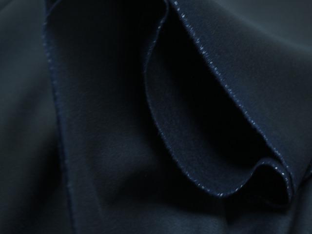 お買得 <strong>【カシミヤウール ロイヤルクロス 無地,】</strong> <br>イタリー製,輸入生地 <br>濃紺 <br>150cm巾2.5m(スーツ分) <br>2111-809 <br>【一点在庫あり ご注文はお早めに】