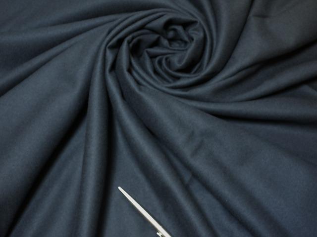 お買得 <strong>【ラムウール無地】</strong><br>フランス製,輸入生地.<br>濃紺<br>150cm巾2.5m<br>(スーツ分)<br>2111-626<br>  【一点在庫あり ご注文はお早めに】