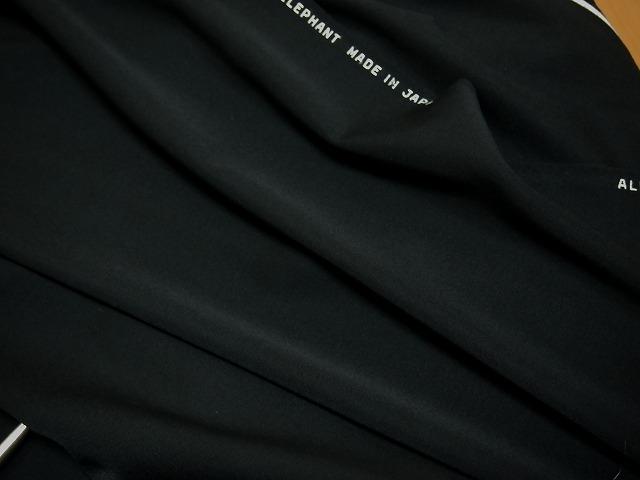 お買得 ハギレ 【日本毛織 特製ウーステッド】 日本製生地 黒色 ウール100% 150cm巾1.4m(ジャケット分) h3111-471 【一点在庫あり ご注文はお早めに】