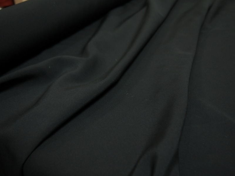 カットオーダー <strong>【ヘビーシルク/無地/中厚】</strong>日本製生地 <br>シルク100% <br>黒 <br>110cm巾/50cm単位 <br>3211-630
