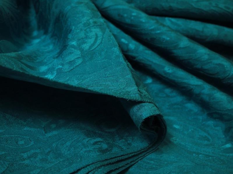 お買得 <strong>【シルク 膨れ織り/ペーズリー柄】</strong><br>イタリ—製,輸入生地, <br>グリーン <br>シルク100%  <br>90cm 巾3.8m(スーツ/ワンピース) <br>3251-637  <br>【一点在庫あり ご注文はお早めに】