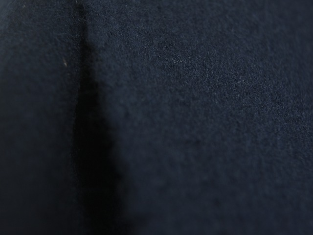 お買得 <strong>【エクセレント/ビーバーウール無地コート】</strong><br>イタリ—製,輸入生地,<br>紺<br>ウール80% ナイロン20%<br> 150cm巾2.5m<br>(コート分)<br> 2111-810<br>  【一点在庫あり ご注文はお早めに】