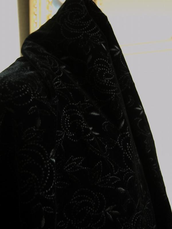 お買得 <strong>【ベルベット/オールオーバー/レース】</strong><br> 日本製生地<br> 黒/刺繍黒<br> 90cm巾3.3m<br> 2381-690<br> 【一点在庫あり ご注文はお早めに】