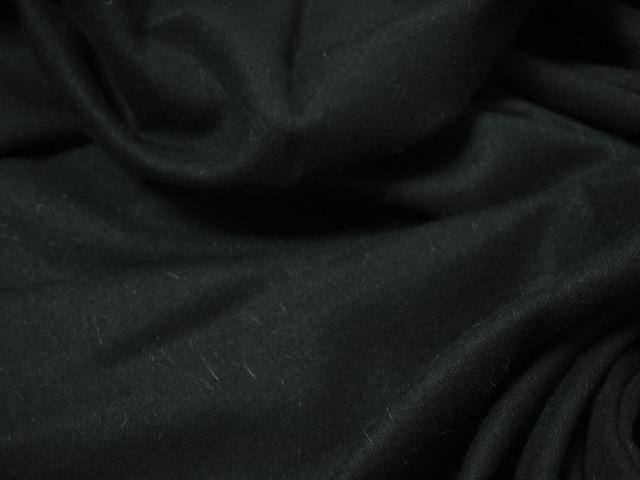 お買得 <strong>【アンゴラウール/黒】</strong><br>イタリ—製,輸入生地,<br>黒<br>ウール70% アンゴラ25% ナイロン5%<br> 140cm巾2.5m<br>(スーツ、ワンピース分)<br>2171-460<br> 【一点在庫あり ご注文はお早めに】