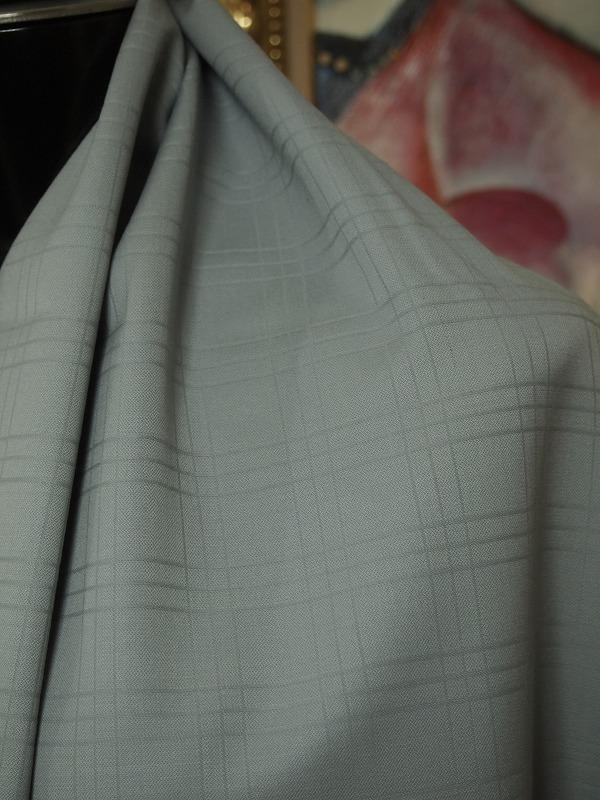お買得 <strong>【ウール/チェック 織り柄】</strong><br> イタリー製,輸入生地<br> グレー<br> ウール100%<br> 140cm巾2.5m<br> 3151-183<br> 【一点在庫あり ご注文はお早めに】