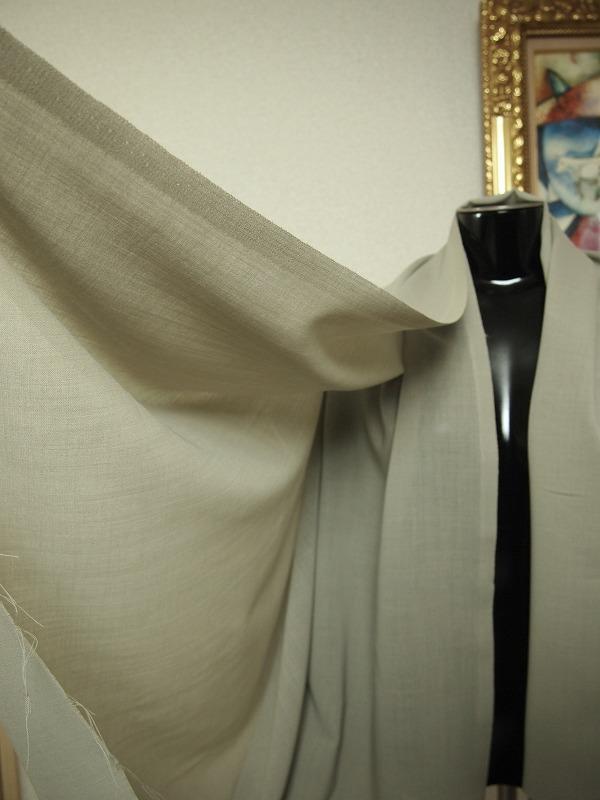 お買得 ハギレ <strong>【  サマーウール ボイル】</strong><br>日本製,生地,<br>ライトモスグリーン,<br>ウール100%,<br>150cm巾1.2m<br>h1111-811<br>