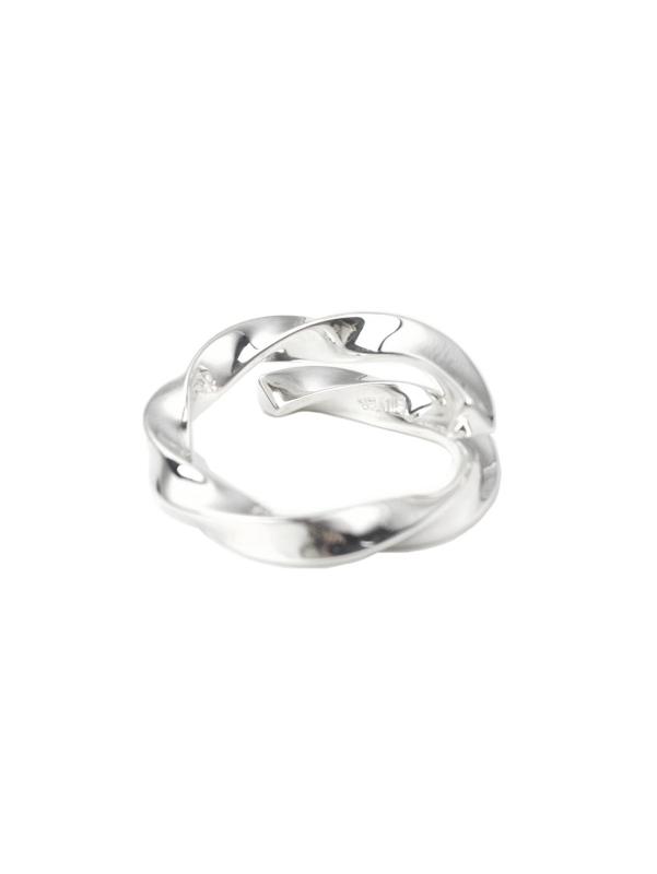 EPHEMERAL/エフェメラル <br>triangle twist ring