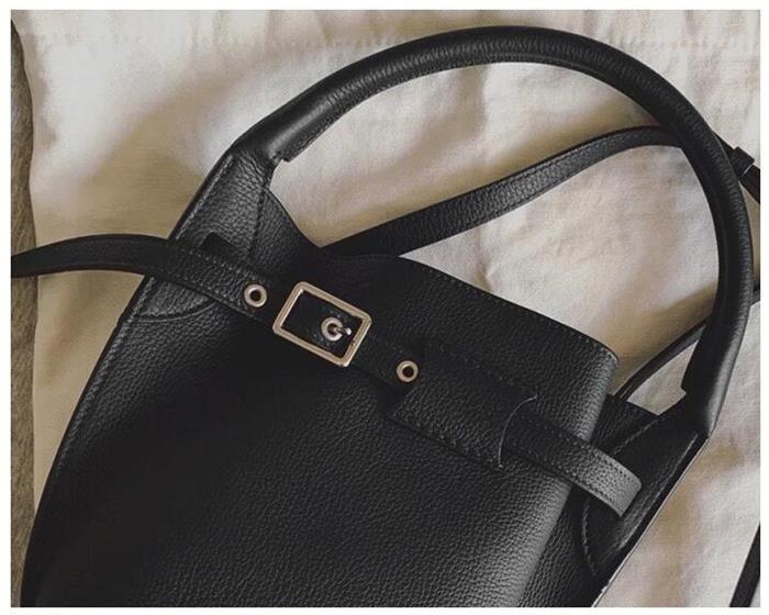 【送料無料】新作 トートバッグ レディースバッグ  高級感のある本革バッグ 硬め しっかり 2wayバッグ 掛けバッグ ミニバッグ   レザーバッグ パーティーバッグ おしゃれ キューブ風  上品 大人 きれいプレゼンント[7色展開]
