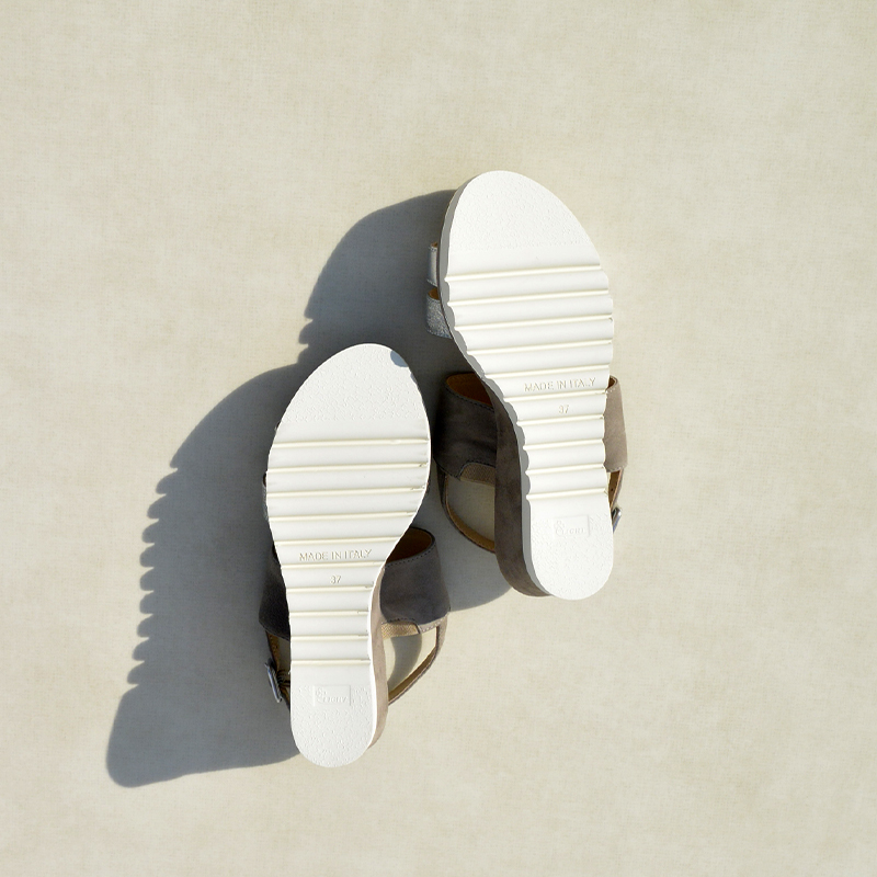 「Luca Grossi /ルカ グロッシ」  厚底バックベルトサンダル / LUCA D859S-OS