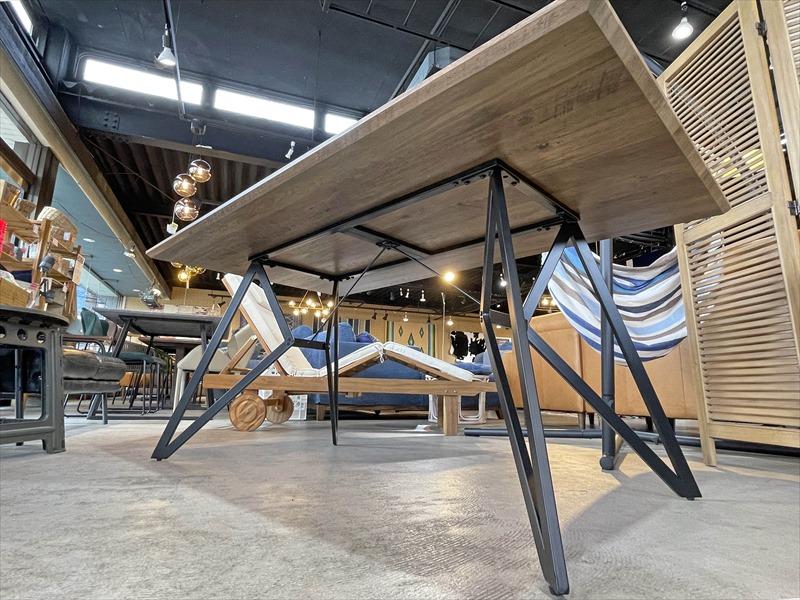 ヘーゼル 160ダイニングテーブル