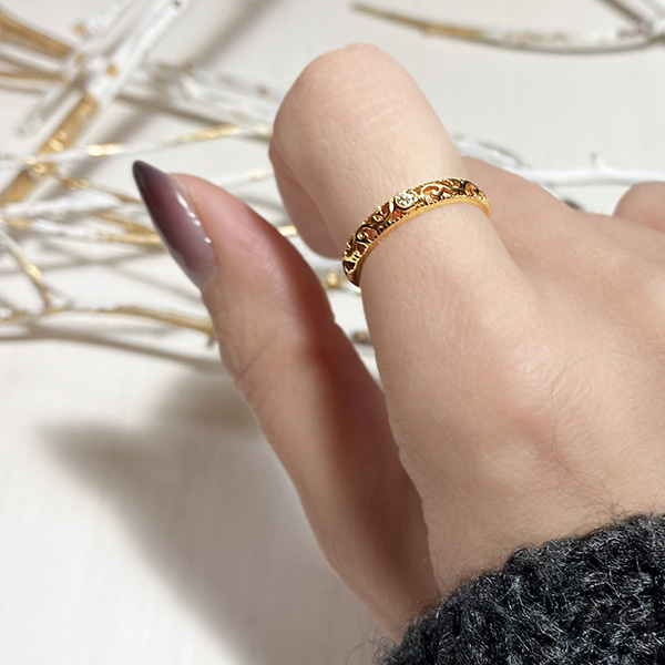 Rococo ring (gold)