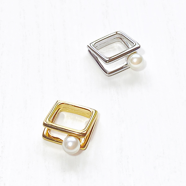 Pearl square ring