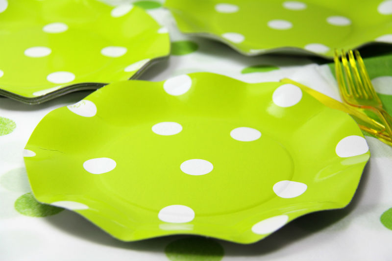 サマーパーティー・行楽に!イタリア製 Exclusive Trade社 ペーパープレート(紙皿)ライム ドット柄/Polis Lime プレート 20.5cm(10枚入り)