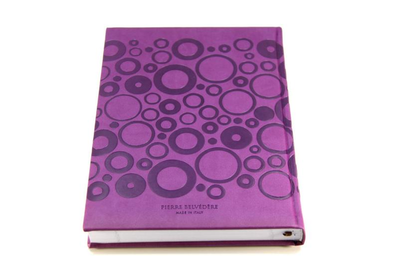 【50%OFF】イタリア製 オシャレなエンボスカバーのノートブック Pierre Belvedere社/バブル パープル
