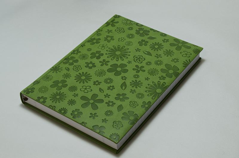 【50%OFF】イタリア製 輸入 エンボスカバーのノートブック /ブルーム ワサビ Pierre Belvedere