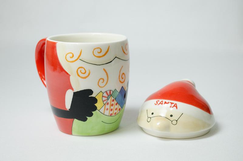 【クリスマス】かわいいサンタさんのマグカップ ふたつき 食洗機・電子レンジ使用可能