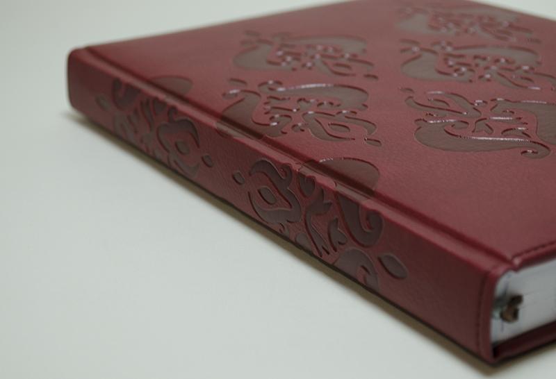 【50%OFF】イタリア製 エレガントなエンボスカバーのノートブック Pierre Belvedere社/アラベスク ボルドー