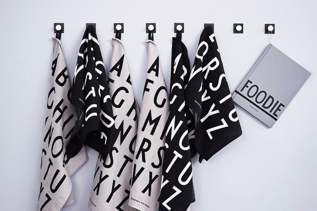 DESIGN LETTERS(デザインレターズ) Arne Jacobsen アルネ ヤコブセン コットン100% クラシックティータオル 2枚セット