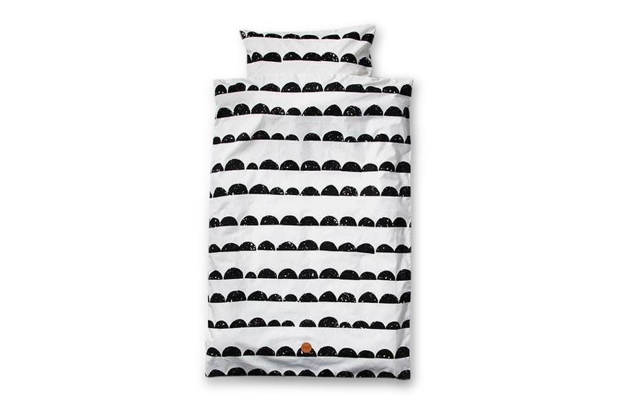 ferm LIVING(ファームリビング) オーガニックコットンの赤ちゃん用ベッドリネン枕カバーセット Half Moon 70×100cm