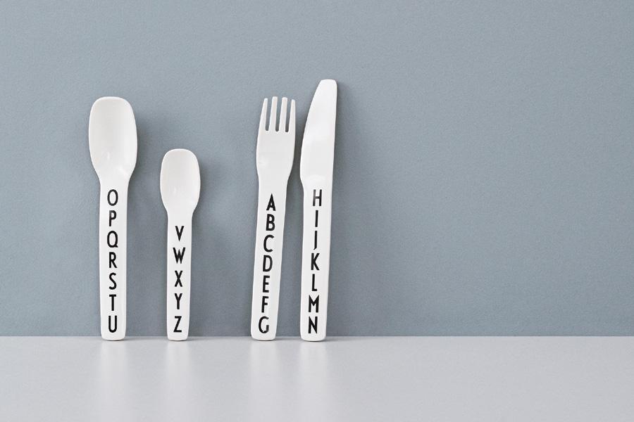 DESIGN LETTERS(デザインレターズ) Arne Jacobsen アルネ ヤコブセン キッズ用 カトラリー 4本セット