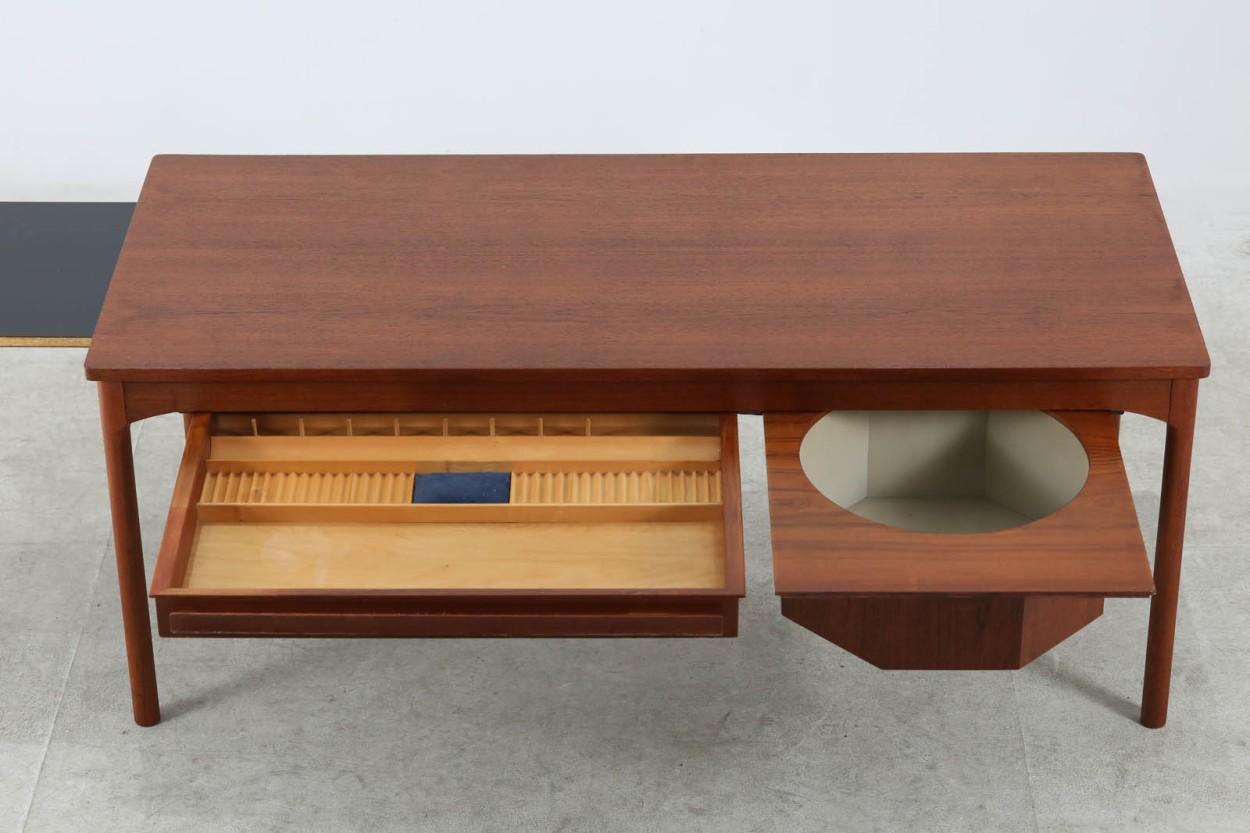 デンマーク製 大きいサイズのソーイングテーブル 幅130cm チーク材 北欧ビンテージ家具/DK10956