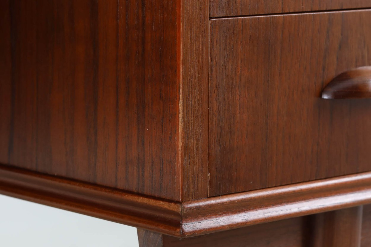 デンマーク製 お洒落な形の両袖デスク チーク材 北欧家具ビンテージ/DK10986