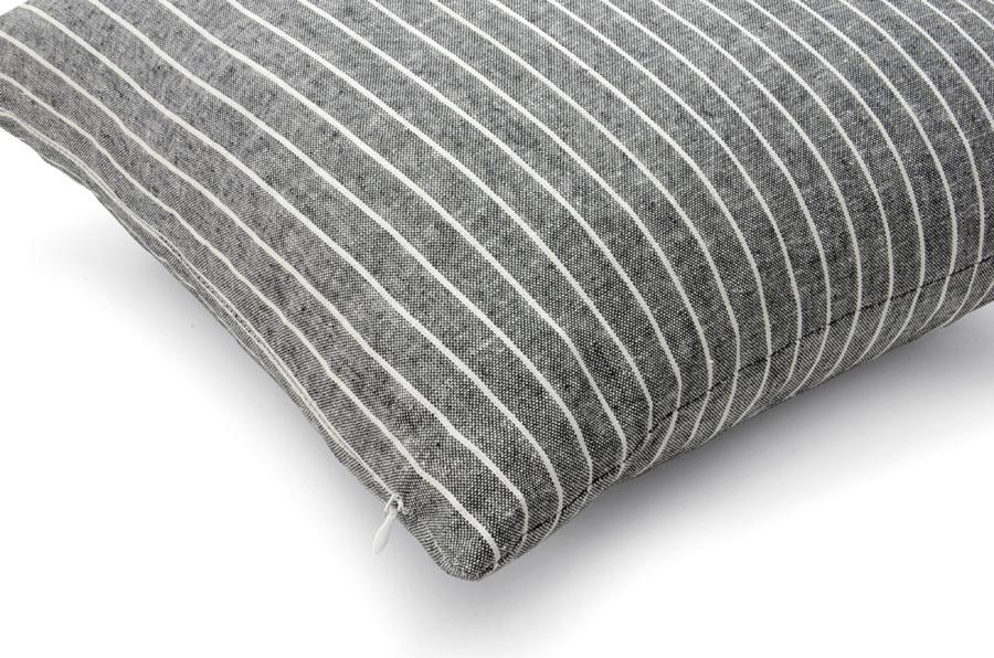 【取扱終了】CHLOROSクロロス 中綿付きのリネンカバークッション 40×40cm 正方形 グレー