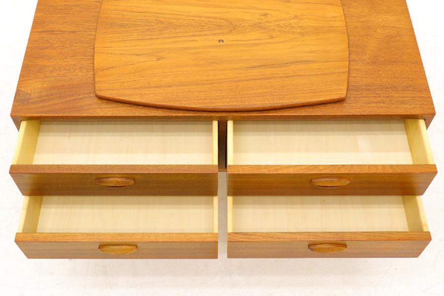 Kai Kristiansen(カイ・クリスチャンセン) 回転板付きのチェスト チーク材 デンマーク製 北欧家具ビンテージ/DK9026