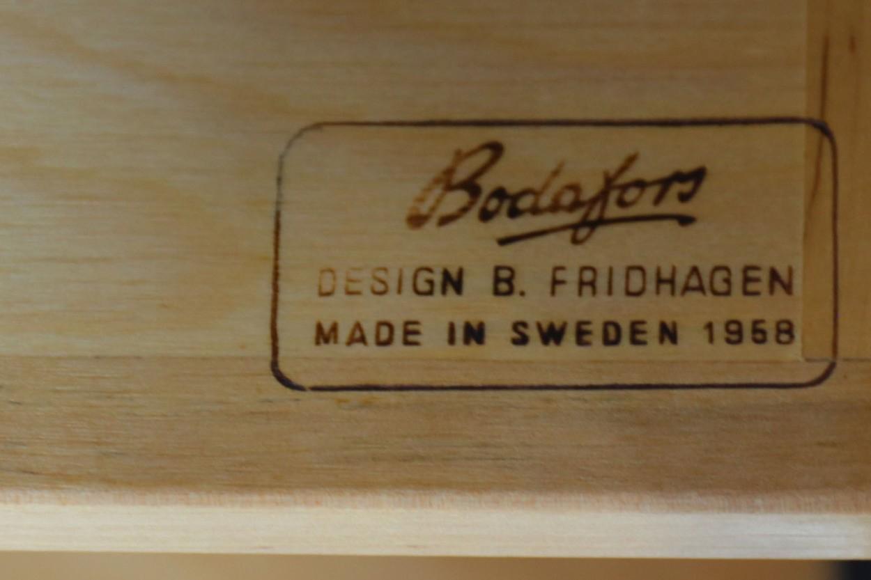 スウェーデン製 ガラス扉のシェルフ/飾り棚 チーク材 北欧家具ビンテージ/DK11208