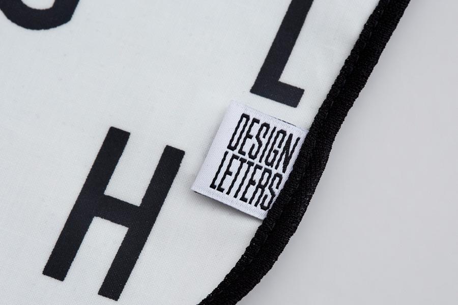 DESIGN LETTERS(デザインレターズ) Arne Jacobsen アルネ ヤコブセン よだれかけ