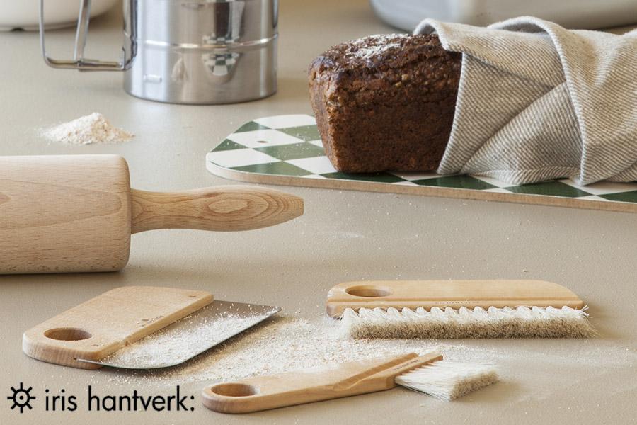iris hantverk(イリスハントバーク) パンくず用のブレッドボードブラシ