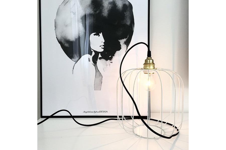 Magdalena Tyboni Design ポスター/アートプリント 30 x 40 cm Woman with big haircut