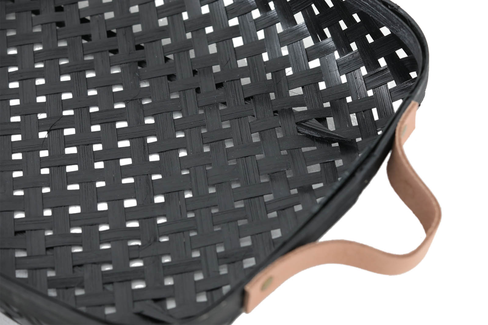 OYOY Living Design レザーハンドル付きのバンブーバスケットトレイ Sサイズ ブラックカラー