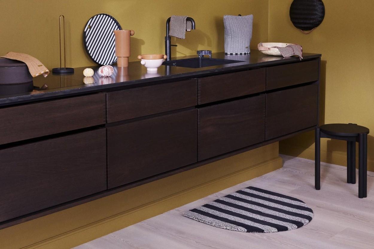 OYOY Living Design おしゃれな形状のストライプデザインラグマット モノトーン